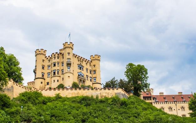 Schwangau, germania - 05/12/2018: castello di hohenschwangau Foto Premium