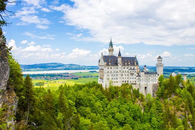 Schwangau, germania - 05/12/2018: castello di neuschwanstein Foto Premium