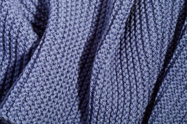 Sciarpa in maglia di lana blu. Foto Premium