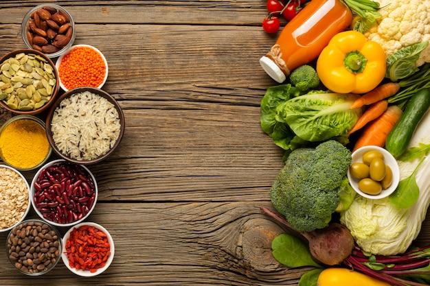 Scorri laici di generi alimentari con spezie Foto Gratuite