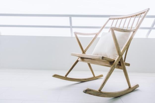 Sedie A Dondolo Depoca : Seduta decorazione sedia a dondolo in legno scaricare foto