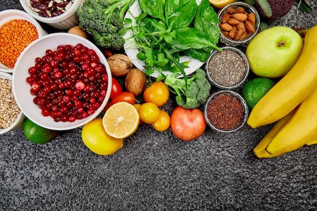 Selezione dei migliori alimenti ad alto contenuto alcalino. vegano. Foto Premium