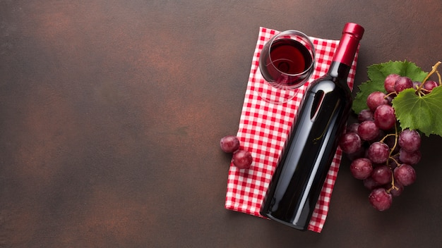 Semplicistico concetto di vino retrò Foto Gratuite