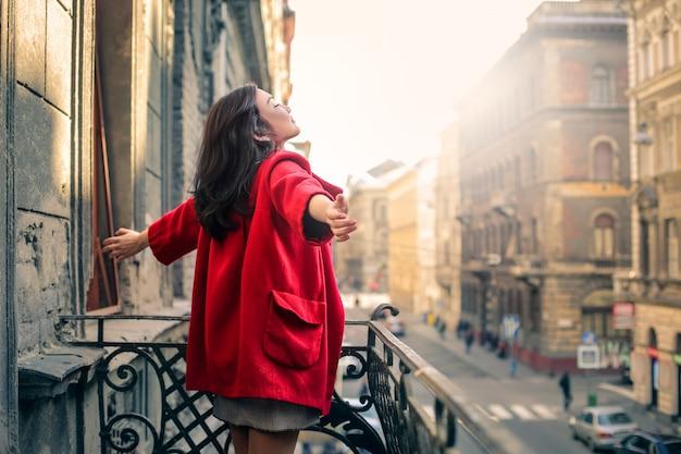 Sentirsi liberi e felici Foto Premium