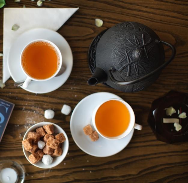 Set da tè sulla vista del piano d'appoggio Foto Gratuite