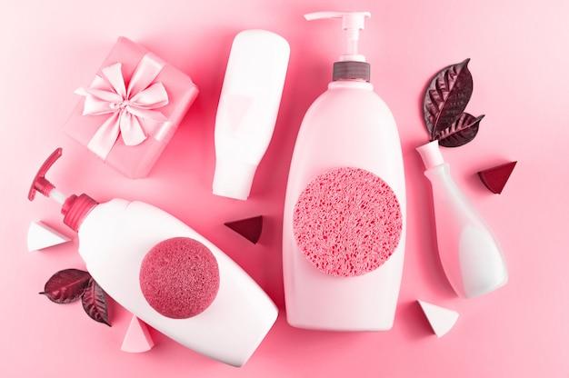 Set di cosmetici per il corpo, corallo immagine tonica Foto Premium