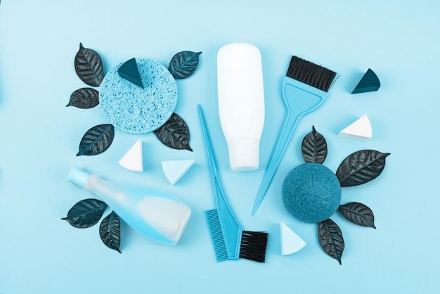 Set di cosmetici per il corpo, immagine tonica blu Foto Premium