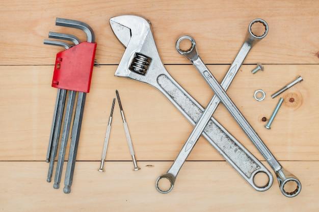 Set di costruzione strumento su legno Foto Premium