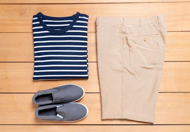 Set di moda e abbigliamento casual da uomo Foto Premium
