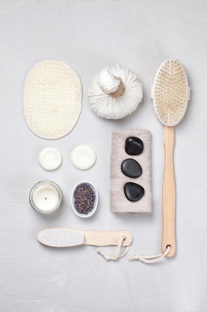 Set di prodotti spa tradizionali. concetto di cura del corpo naturale Foto Premium