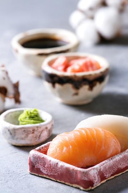 Set di sushi roll Foto Premium