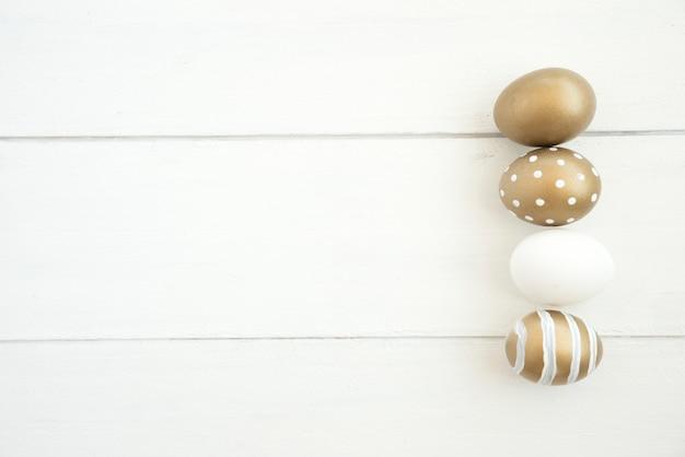 Set di uova di pasqua marrone Foto Gratuite