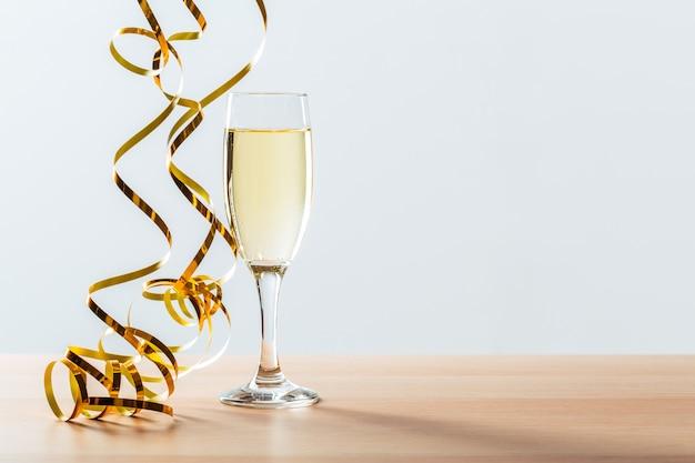 Sfondo di celebrazione di capodanno con champagne Foto Premium