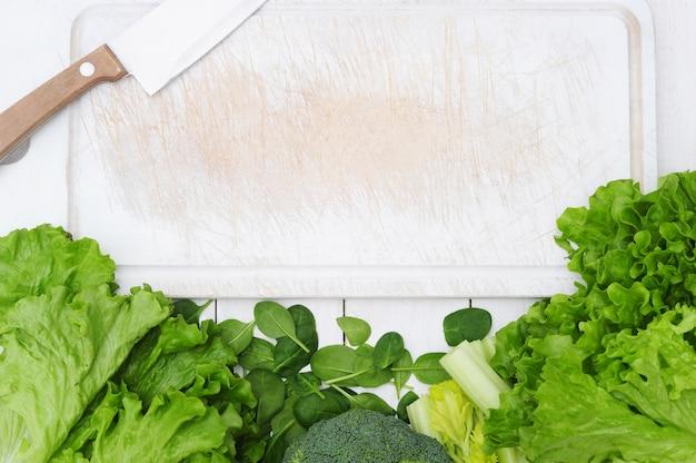Sfondo fatto di verdure, concetto di cibo sano Foto Gratuite
