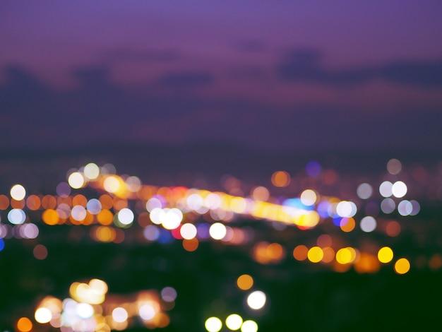 Sfondo sfocato movimento luce della città. Foto Premium