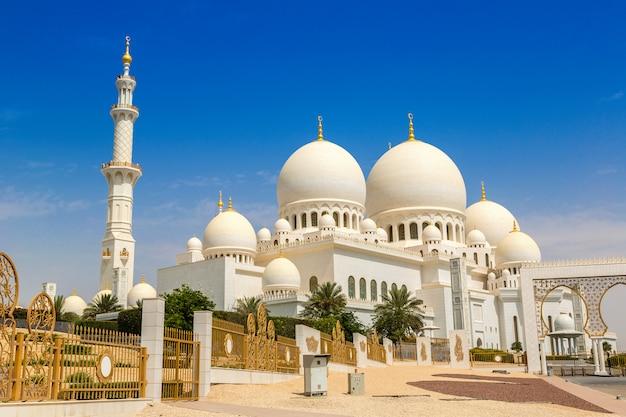 Sheikh zayed grand mosque ad abu dhabi Foto Premium