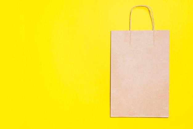 Shopping pacchetto di carta artigianale Foto Gratuite