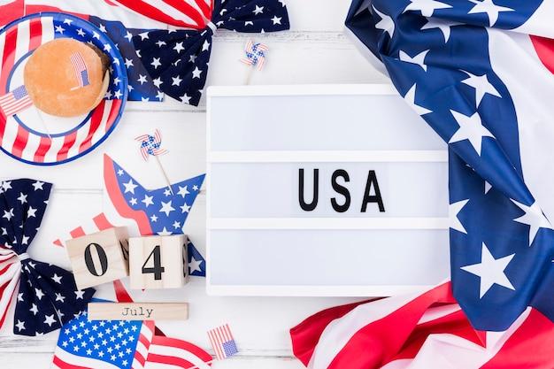 Simboli e dolcetti per il giorno dell'indipendenza Foto Gratuite