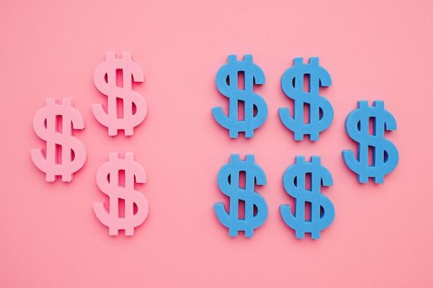 Simbolo americano del dollaro sul flatlay minimo dei soldi blu e rosa del fondo rosa ,. Foto Premium