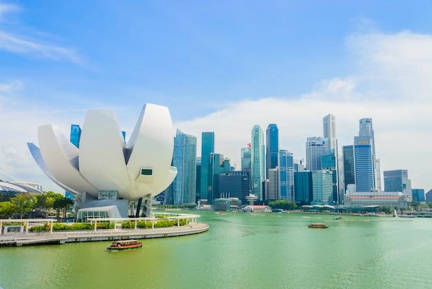 Singapore - 16 luglio 2015: vista di marina bay. marina bay è una delle attrazioni turistiche più famose di singapore. Foto Gratuite