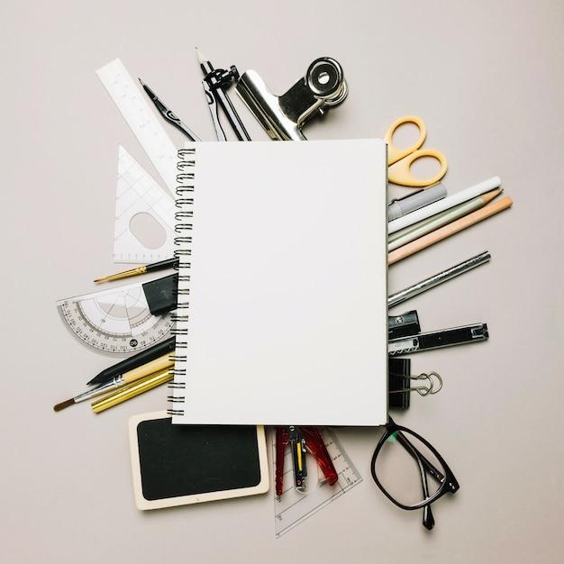 Sketchbook su forniture per ufficio scaricare foto gratis for Forniture per ufficio