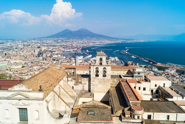 Skyline di napoli da castel sant'elmo, italia Foto Premium