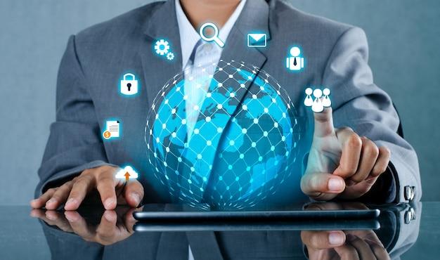 Smart phone e globe connections un mondo di comunicazione non comune Foto Premium