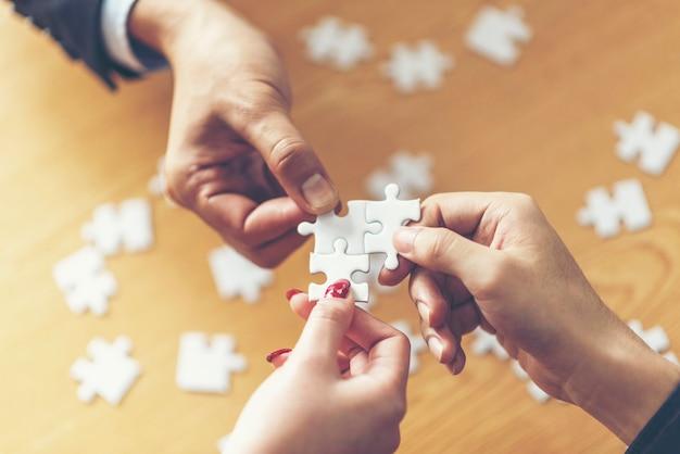 Soluzioni aziendali, successo e concetto di strategia. Foto Premium
