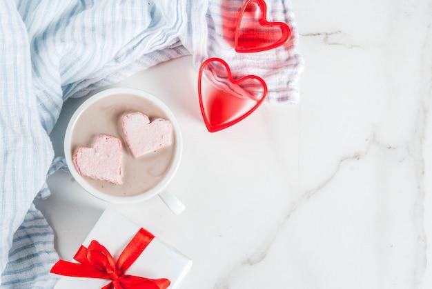 Sony dschot cioccolato con marshmallow a forma di cuore, Foto Premium