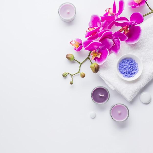 Spa still life con prodotti di bellezza Foto Gratuite
