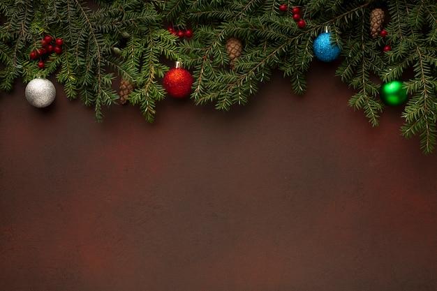 Spazio della copia dei rami dell'albero di natale di vista superiore Foto Gratuite