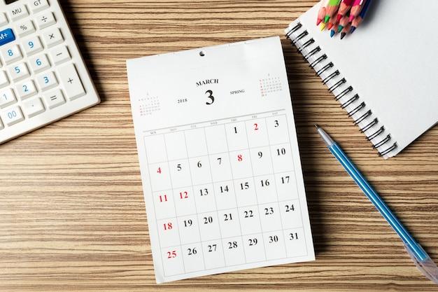 Spazio di lavoro. calendario Foto Premium