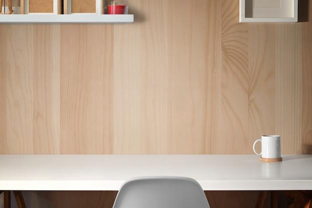 Spazio di lavoro minimo con spazio di copia per il montaggio del prodotto Foto Premium