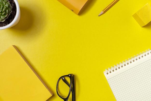 Spazio di lavoro, vista dall'alto Foto Premium