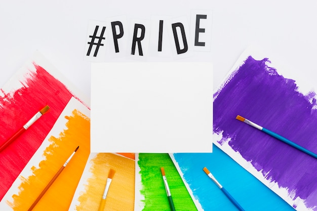 Spazzole colorate mondo felice giorno dell'orgoglio Foto Gratuite