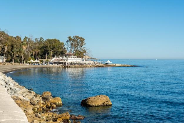 Spiaggia delle terme del carmen, malaga Foto Premium