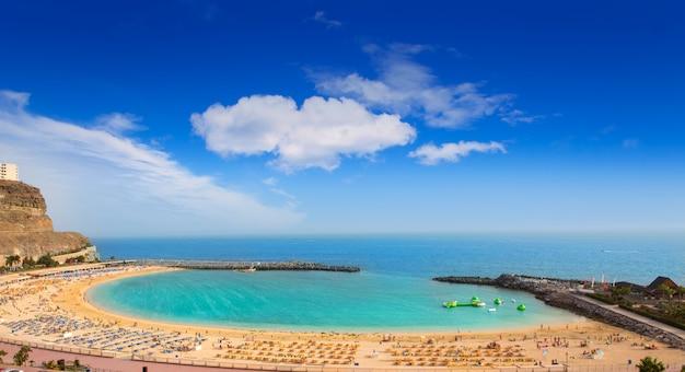Spiaggia di amadores a gran canaria Foto Premium