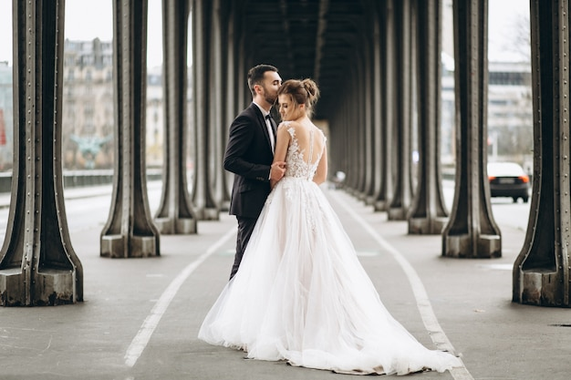 Sposi in francia Foto Gratuite