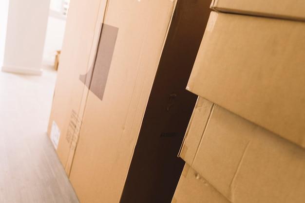 Spostare i pacchetti in camera Foto Gratuite