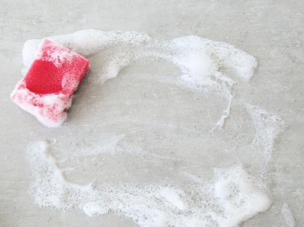 Spugna rosa con schiuma Foto Gratuite