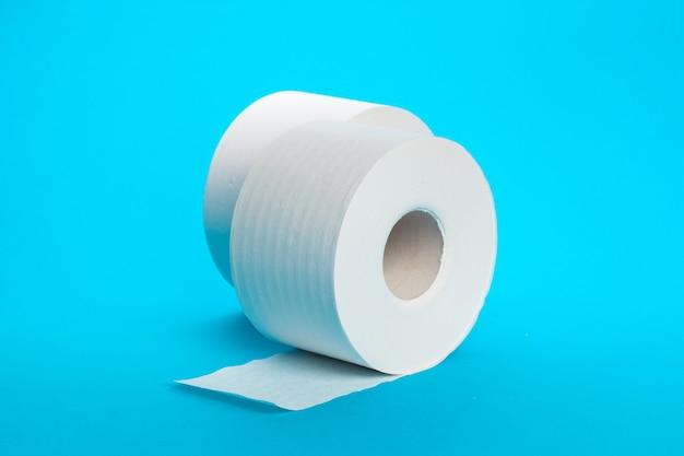 Srotolamento della carta igienica Foto Premium