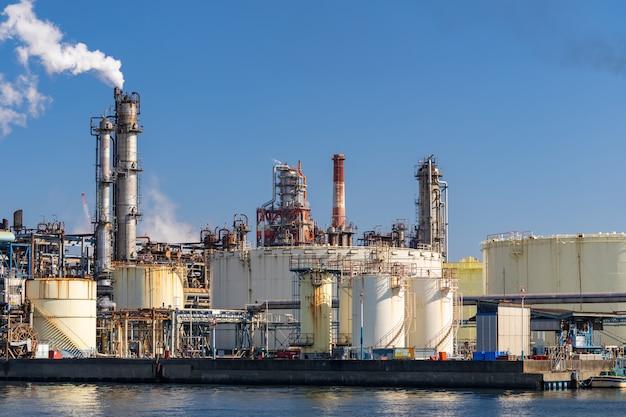 Stabilimento della fabbrica chimica Foto Premium