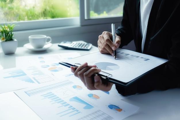 Statistica delle risposte di successo dell'economia di risultato Foto Gratuite