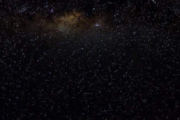 Stelle e galassie spazio esterno cielo notte universo nero sfondo stellato di lucido campo stellare Foto Premium