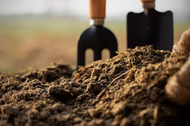 Sterco o letame per la semina. Foto Premium