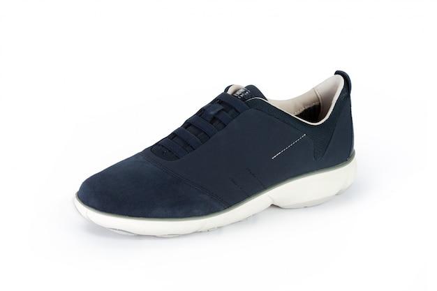 Stivaletti maschii delle scarpe isolati su bianco Foto Premium