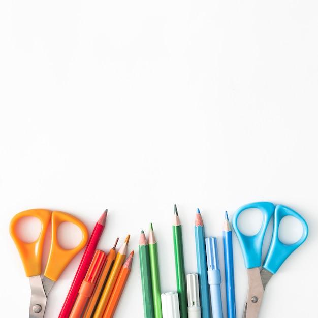Strumenti di scrittura colorati Foto Gratuite
