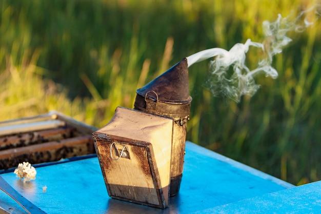 Strumento di apicoltura Foto Premium