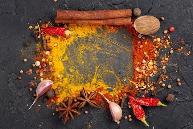 Struttura asiatica della miscela degli ingredienti alimentari piatti di disposizione Foto Gratuite