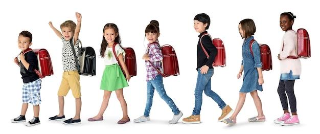 Studente con zaino per l'educazione. Foto Premium